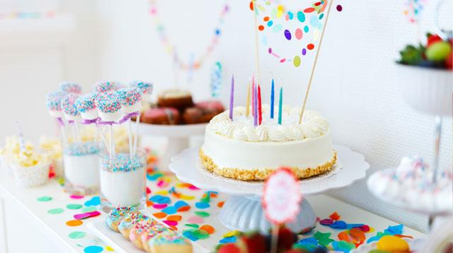 I Feel Like One Big #MommyFail When I Go to My Kids' Friends Birthday Parties