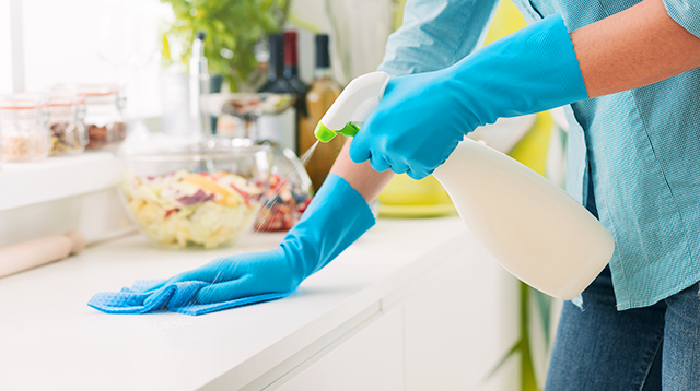 How to Correctly Clean Kitchen Counterops and Other Surfaces Your Child Touches
