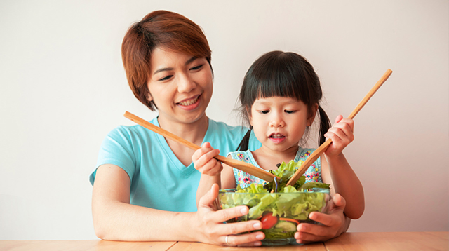 6 Things You Can Do to Promote Healthy Eating Habits in Your Kids
