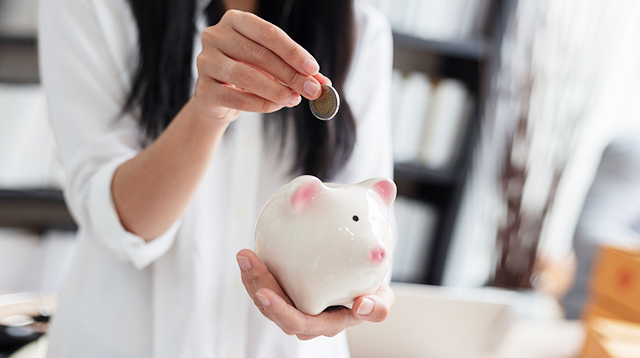 Trying to Save Money? Here Are 6 Easy Ways To Do It!