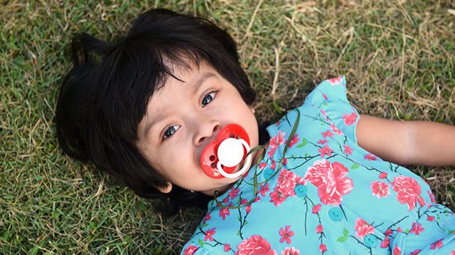 How to Wean Your Child From Pacifiers: Know When to Start and Stop
