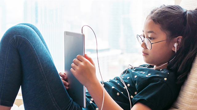 The Scientific Reason Why Kids Cannot Stop Using Gadgets