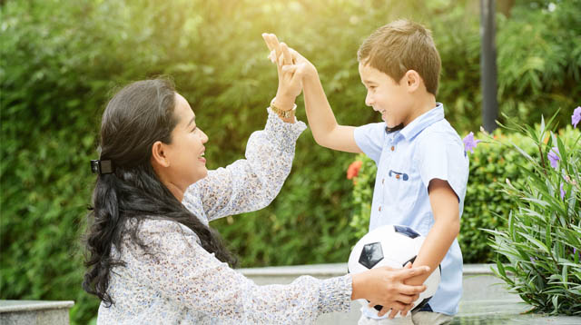 How You Praise Your Child Makes a Huge Difference in His Life: 6 Ways to Do It Right