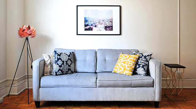 Dealing With Mantsa? Keep Your Sofa Clean With Homemade Solutions!