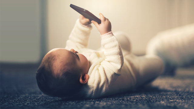 Zero Screen Time for Babies Under 1 Year Old: Strict or Just Right?