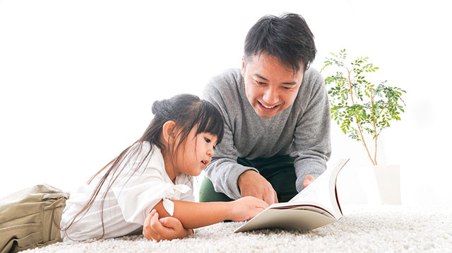 Want To Raise A Reader? Make Sure Kids See Dad Reading Books, Says Expert
