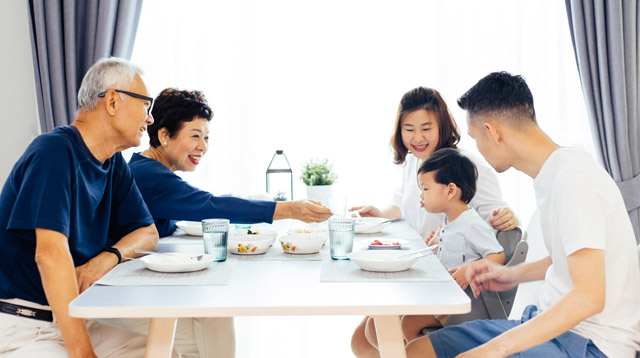 Eating at Least One Meal a Day With Your Kids Can Strengthen Your Bond
