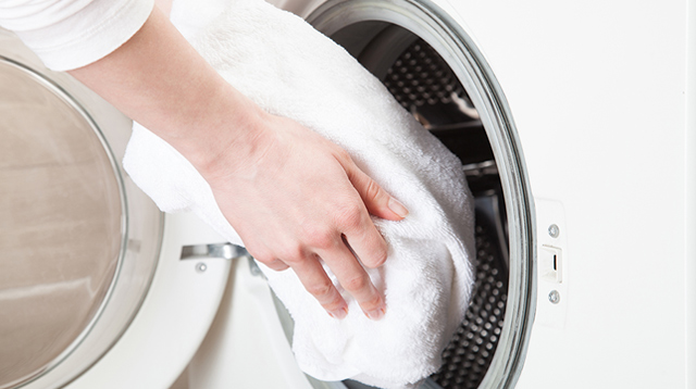 Washing a Bath Towel After Each Use Is Too Much: Here's How Often You Should Wash It