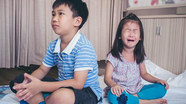 7 Crucial Moments When You Need to Intervene in Your Kids' Fights