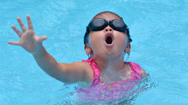 Parents Are Too Distracted by Their Mobile Phones to Notice Their Child Might Be Drowning