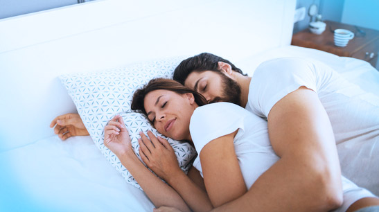 Trying for a Baby? Make Sure Hubby Sleeps Earlier Than 10:30 P.M.