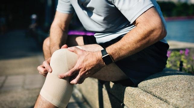 Sa May Mga Matinding Gout, Tamaan Lang ng Kumot Masakit na Ang Apektadong Joint
