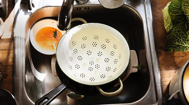 Never Have a Smelly Sink Again With This One Simple Ingredient (Just Sprinkle)