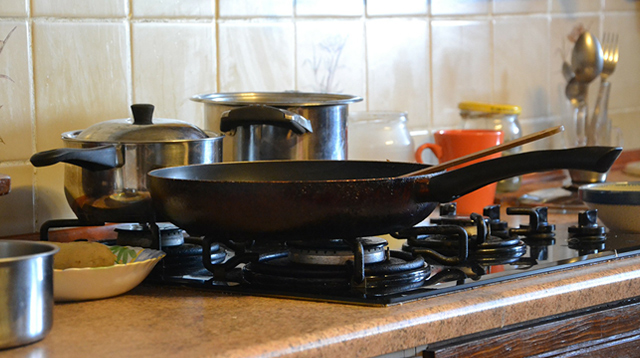 8 Ways to Store and Organize Your Pots and Pans So They Don't Get Damaged
