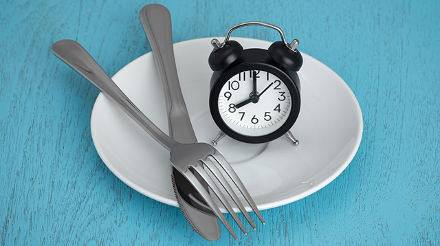 Read This Before Trying Out Intermittent Fasting for Weight Loss