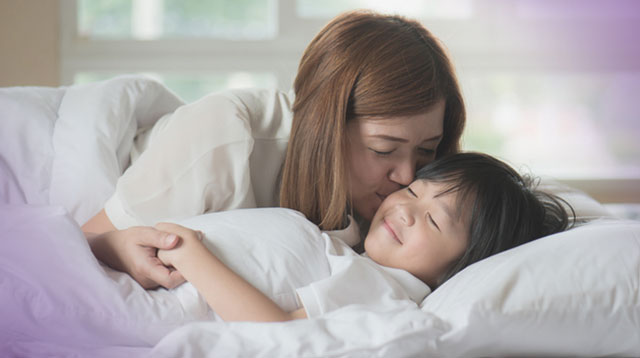 Your Child Won't Stay in Bed at Night? Try This Trick Before Bedtime!