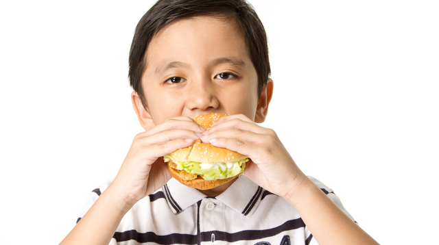 A Teen Goes Blind After Consuming Nothing But Processed Food Since Elementary