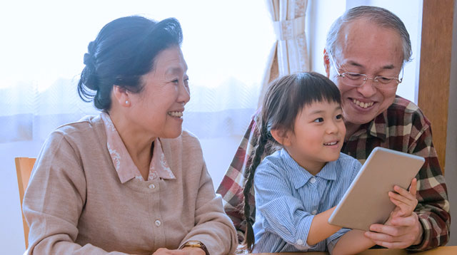7 Reasons Kids Who Have Grandparents in Their Lives Are Blessed!