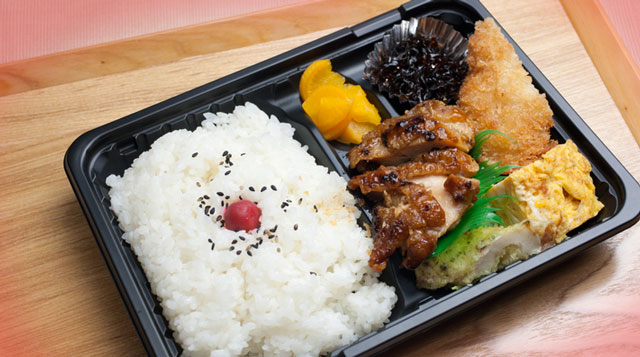 The Japanese Keep Their Students Healthy With Nutritionist-Approved School Lunches!