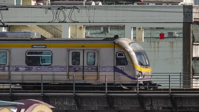 Libreng Sakay Ang Mga Bata Sa LRT-2 At MRT3 Ngayong Araw Na Ito