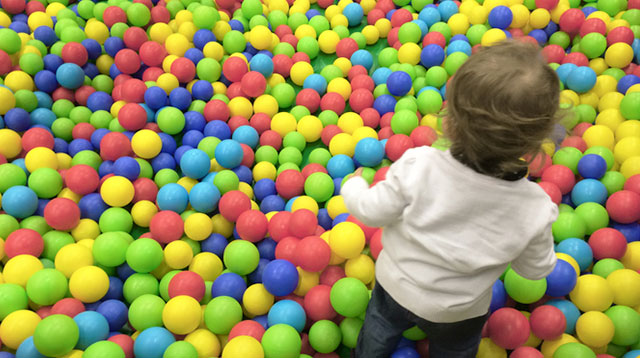 Mom Warns Parents About 'Drowning' in Children's Ball Pit