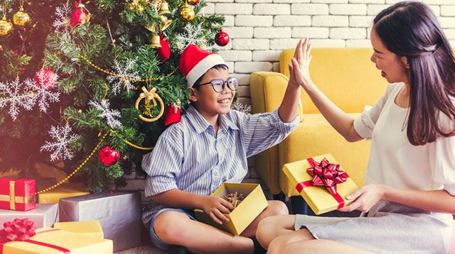 Presence Over Presents: How Your Child Can Benefit From Fewer Toys This Christmas