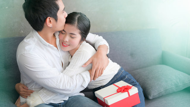 Make Him Feel Special: 6 Christmas Gift Ideas For Your Husband