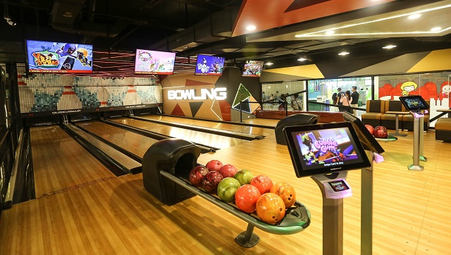 This Amusement Center For Kids In QC Has Bowling Lanes And A Billiard Hall