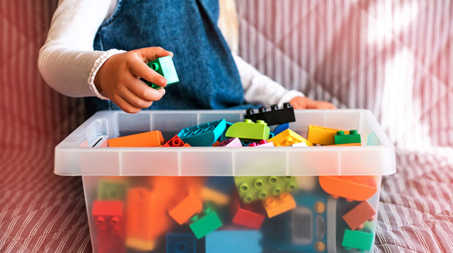Ever Wondered Why Babies Prefer Boxes Over Toys? It's Actually Good For Their Brains