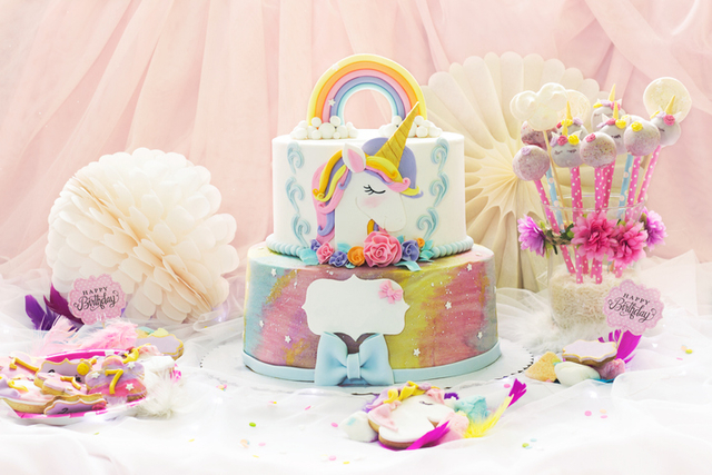 Unicorn-Themed Suppliers Para Sa First Birthday Ni Baby