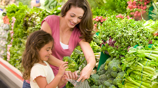 10 Ways To Teach Your Child Healthy Eating Habits