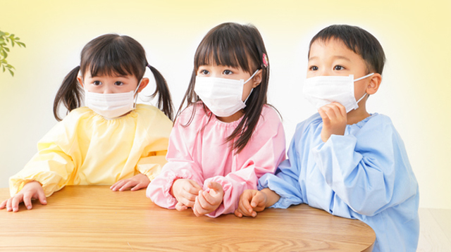 South Korea Closes Schools, Daycare Centers To Contain Novel Coronavirus Spread