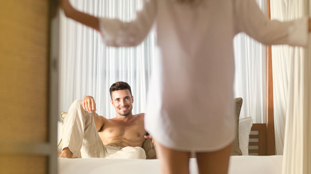 Bored In The Bedroom? 7 Easy Sex Role-Play Ideas For Married Couples