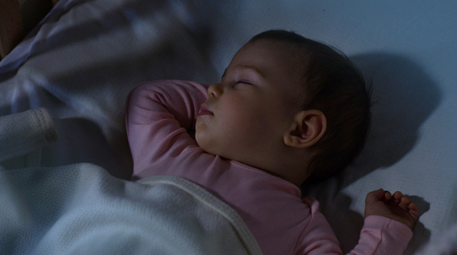 Turning Off The Lights Can Help Train Your Newborn To Fall Asleep Faster, Say Experts