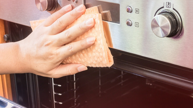 Take Note Of The 5 Kitchen Items That You Need To Clean Right Now