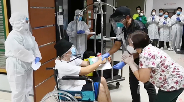 WATCH: Discharged COVID-19 Patient Applauded By Nurses; 83-Year-Old Lolo Also Recovers!