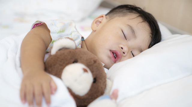 Worried About Your Child's Fever Or Cough? How Doctors Will Determine If He Has COVID-19