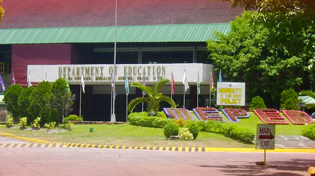 DepEd Looks Into Lessons Via TV and Radio for School Year 2020-2021