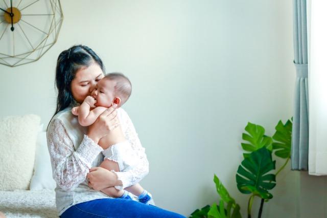 Paano Ang Buhay ECQ Sa Mga Nanay Na May Babies Na 1-Year-Old Pababa