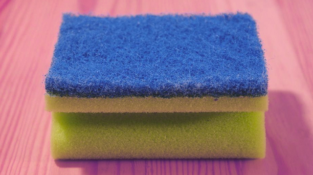 There's Only One Way To Effectively Disinfect Your Kitchen Sponge