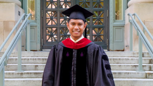 Despite The Odds, Filipino Graduates from Harvard: 'My Mother Was A Call Center Agent'