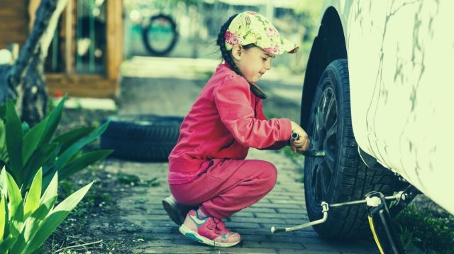 This Dad Teaches Kids Without Fathers How To Shave, Change Tires, And More!