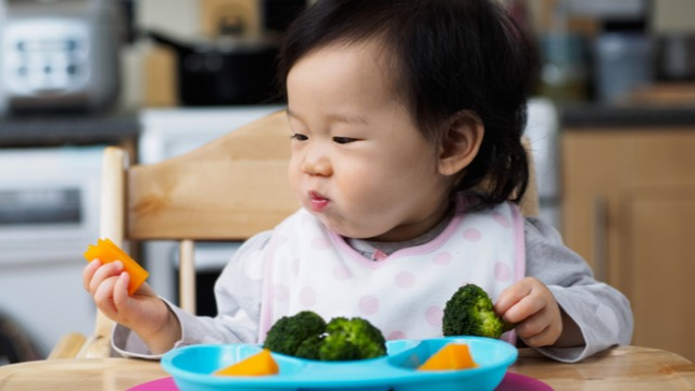 What Is Baby-Led Weaning? Let Us Show You, Mukbang Style!