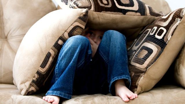 Psychiatrist: 6 Signs Na Hindi 'Adapting Well' Ang Anak Sa Sitwasyon Ngayon