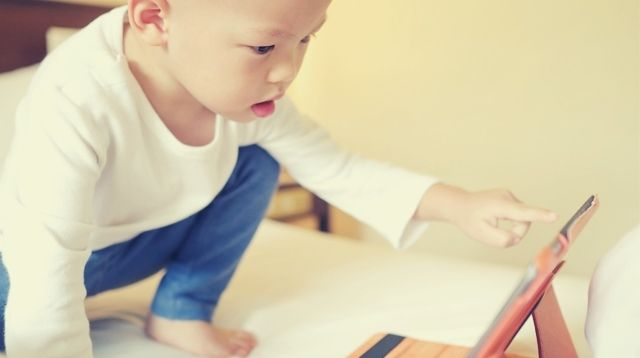 Should A 3-Year-old Have Online Classes? The Things To Consider, According To Moms