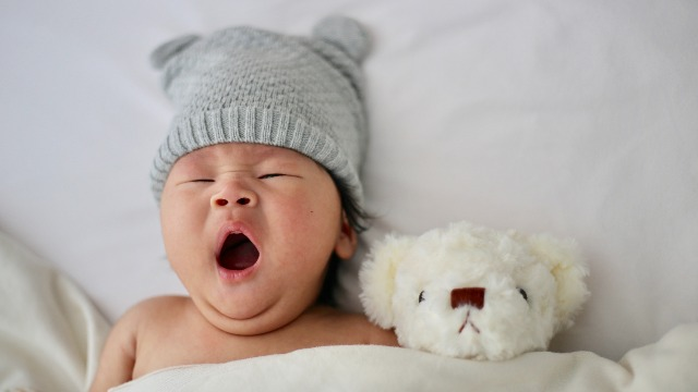 Experts: Maaaring Expectations Mo Ang Problema, Hindi Ang Sleeping Pattern Ni Baby