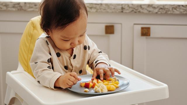 Mga Karaniwang Allergies Ni Baby Sa Pagkain, Paligid At Panahon