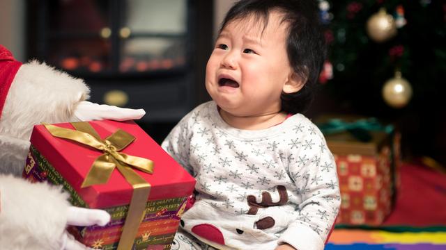Bakit Mas Magandang Aminin Mo Sa Anak Mo Na Hindi Kay Santa Galing Ang Mga Regalo
