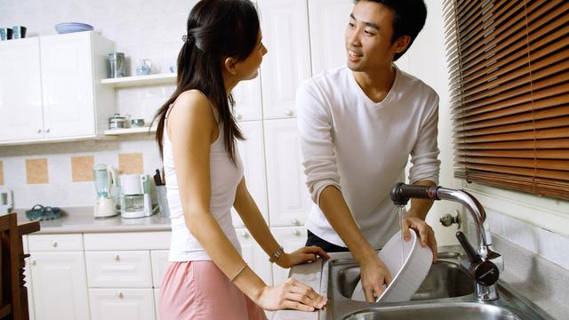 Solo Mo Ba Dapat Ang Chores Dahil Stay-At-Home Mom Ka? Heto Ang Tingin Ng Mga Nanay