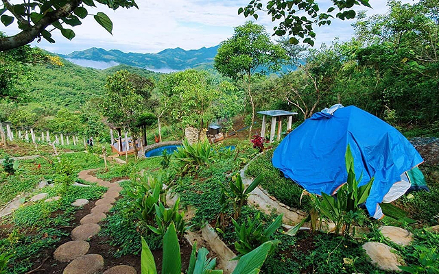 Wake Up to a Sea of Clouds at This Nature Camp Near Manila